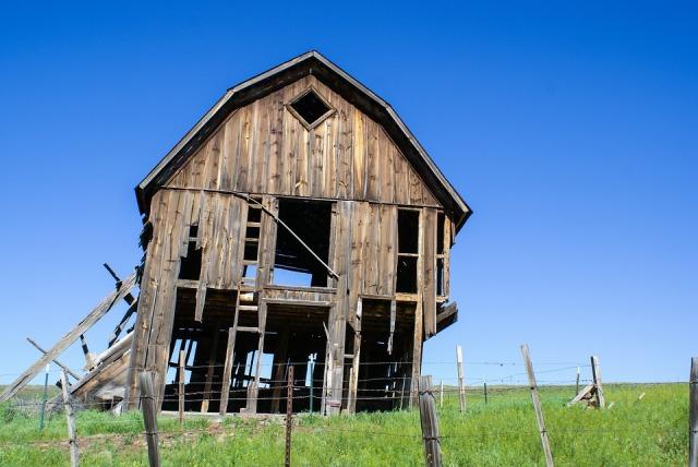 barn collapsing