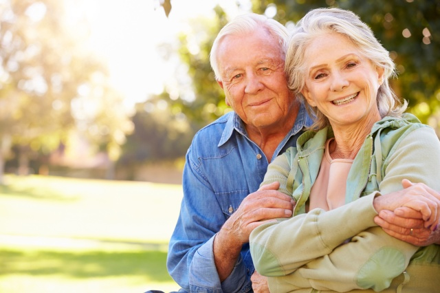 iStock_000041008906XLarge_-Happy-old-couple